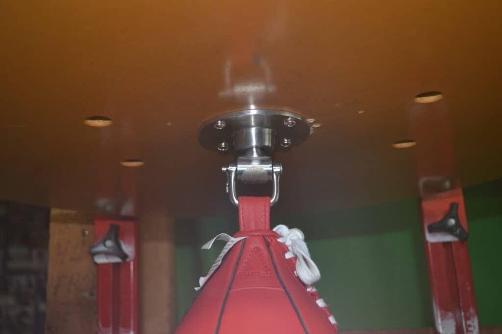 Title Lightning Fast Super Swivel - on Balazs i-Box Speed Bag Platform