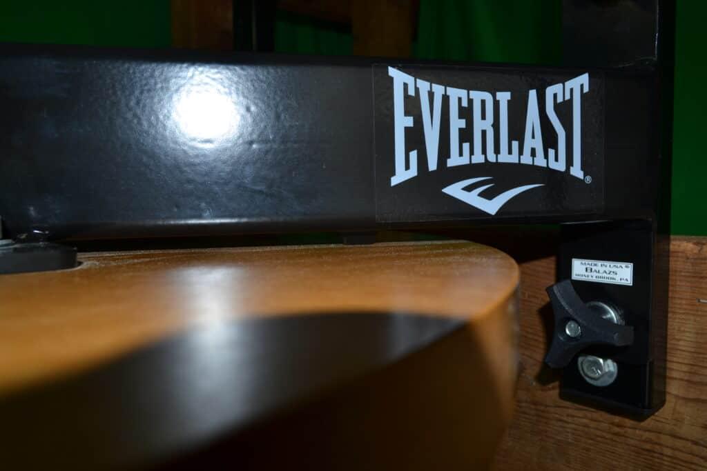Everlast Speed Bag Platform - Logo Closeup